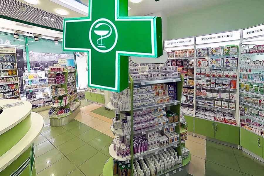 Работников аптек начинают страховать от возможного заражения COVID-19, каждого – на 2000 рублей