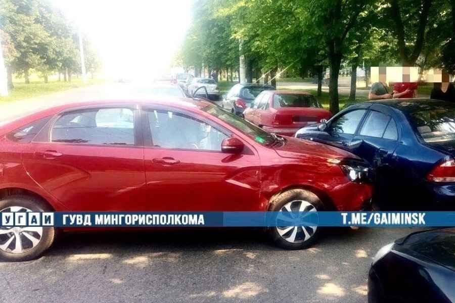 Пьяный водитель в Минске совершил столкновение с «Фольксваген»