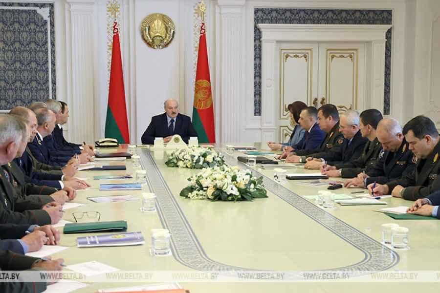 Лукашенко собрал совещание по обеспечению безопасности избирательной кампании
