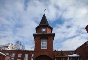 В центре Минска построили часовую башню, как из сказочного Хогвартса